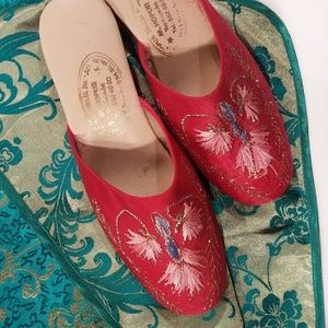 Shoes - Vintage embroidered wedge boudoir slipper
